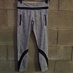 lululemon athletica Pants - Lululemon Athletica Snow Leopard Leggings SZ 6